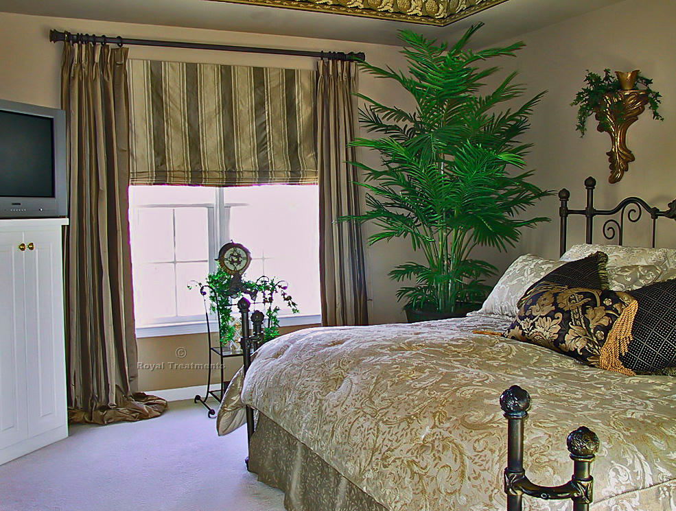 Draperies curtains roman shades royal treatments for Roman shades and curtains